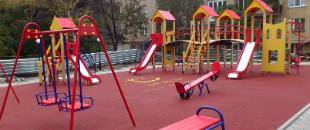 Дезинфекция рук на детских площадках