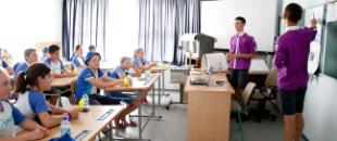 Дезинфекция рук в школах